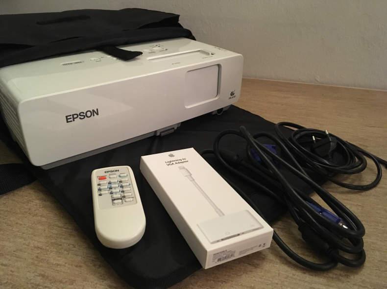 8275 Beamer Epson EMP-822H