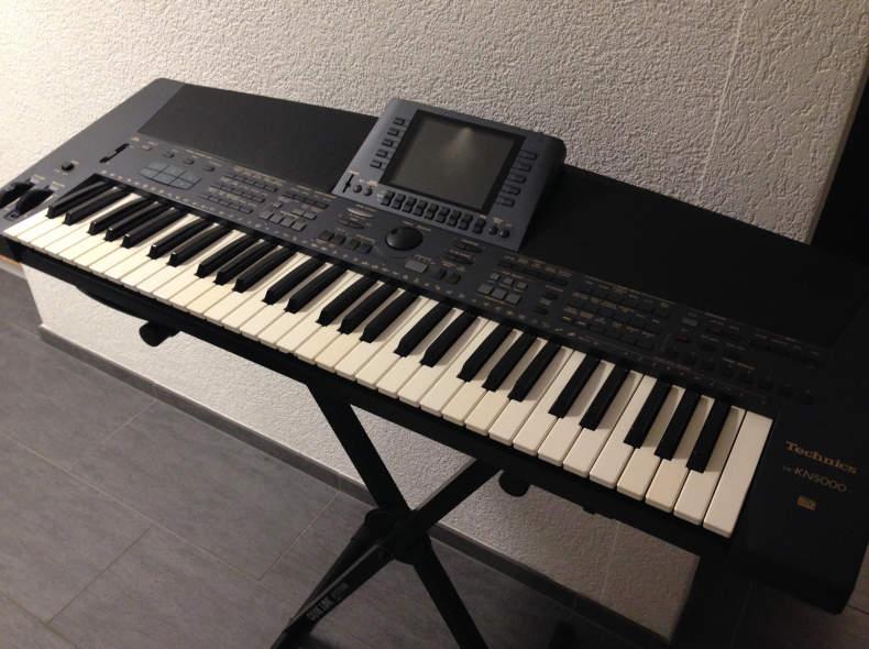 8372 Keyboard Technics KN-5000