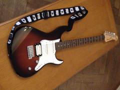 8416 E Gitarre Yamaha Pacifica