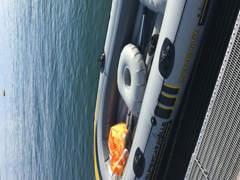 8912 Schlauchboot mit elekt. Luftpumpe