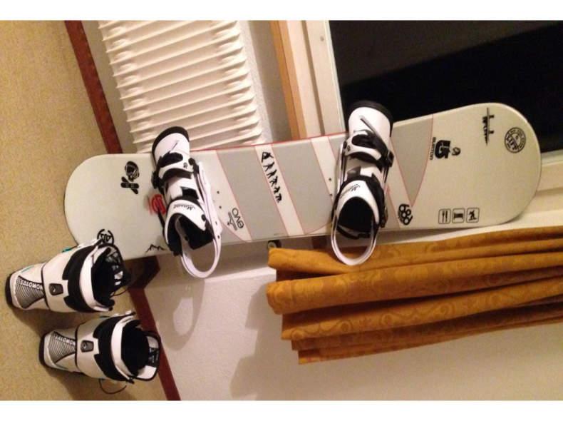 10076 Snowboard Ausrüstung