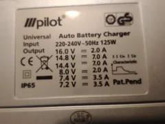 10514 Batterieladegerät für Auto und Töff
