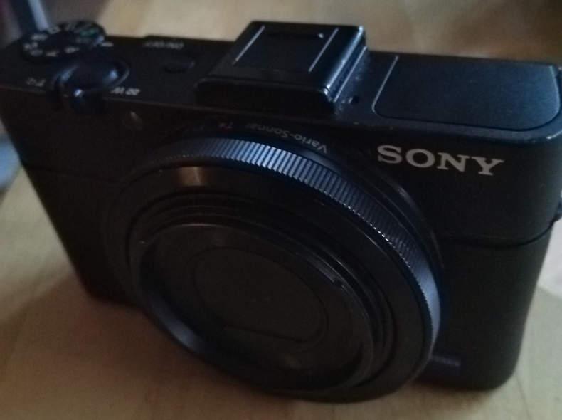 11980 Kamera SonyRX100II