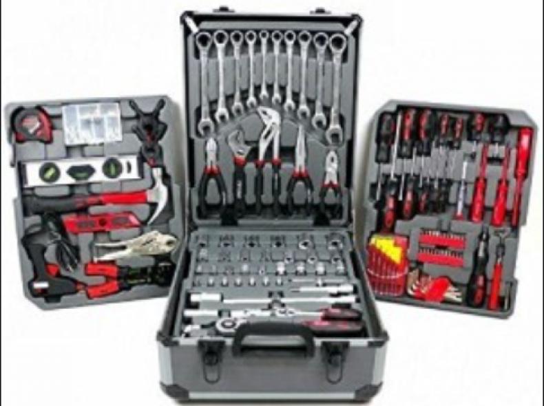 12024 Werkzeugkoffer Swiss Kraft 326Teile