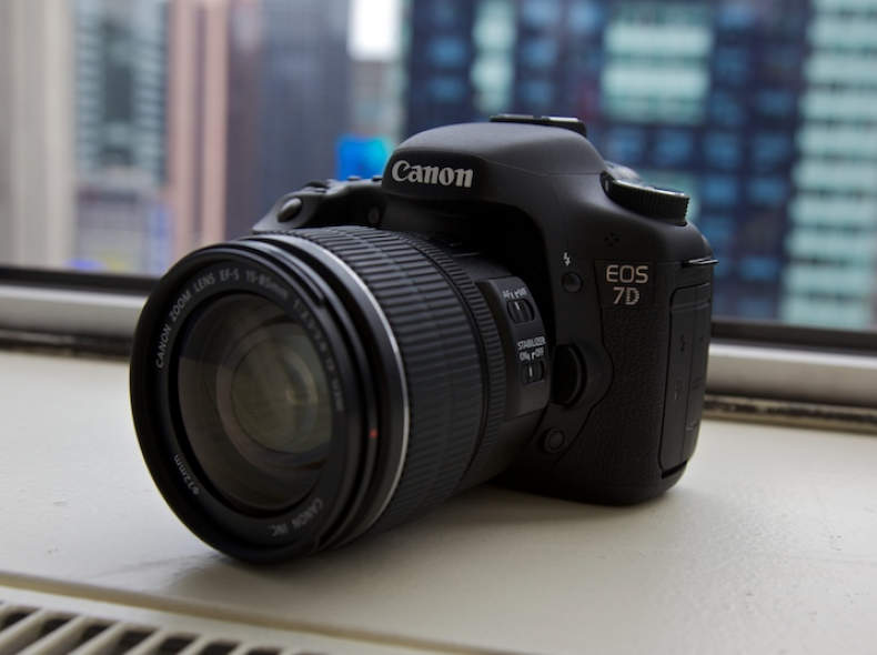 12287 Canon EOS 7d + EF-S 15 - 85 Objekiv