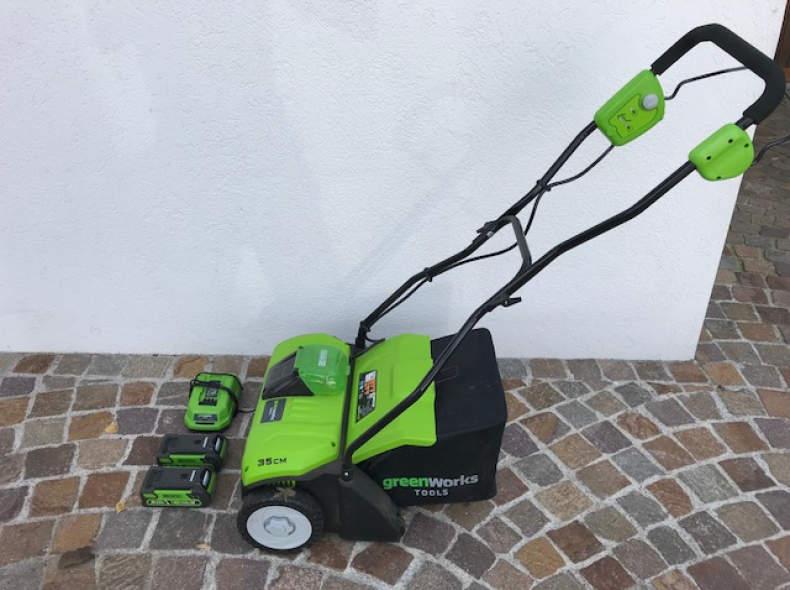 12414 Akku-Vertikutierer Greenworks