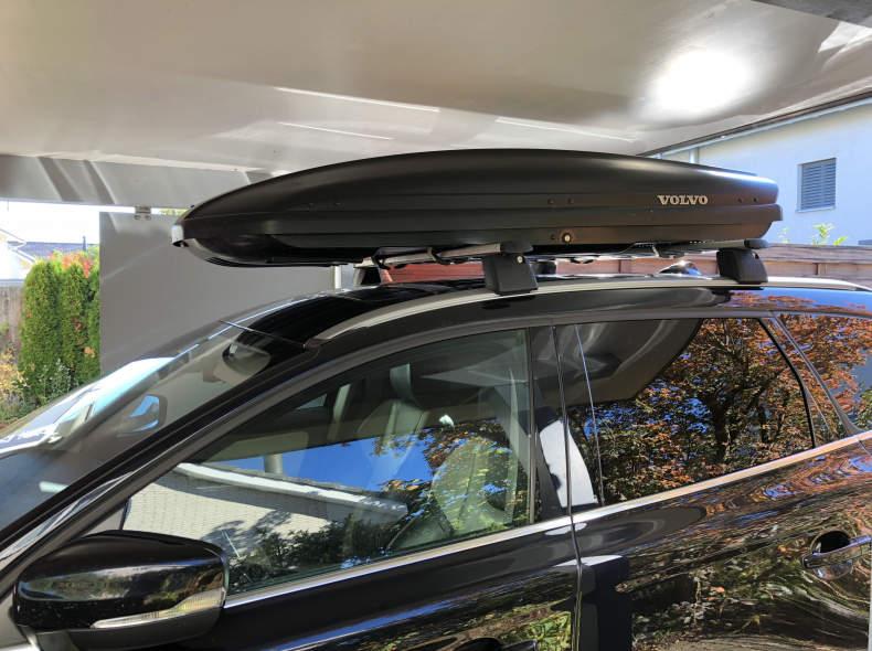 12727 Dachkoffer Volvo mit Lastträgern