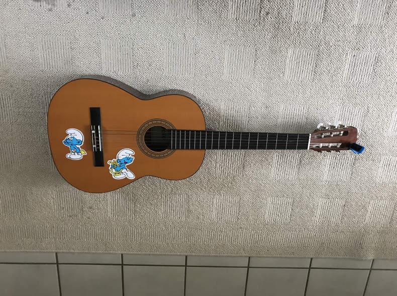 12901 Gitarre - Guitare