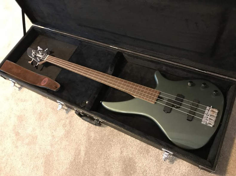 13520 Basse, Bass Gitarre Fretless
