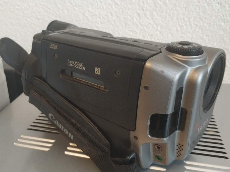 14054 Video8 Camcoder
