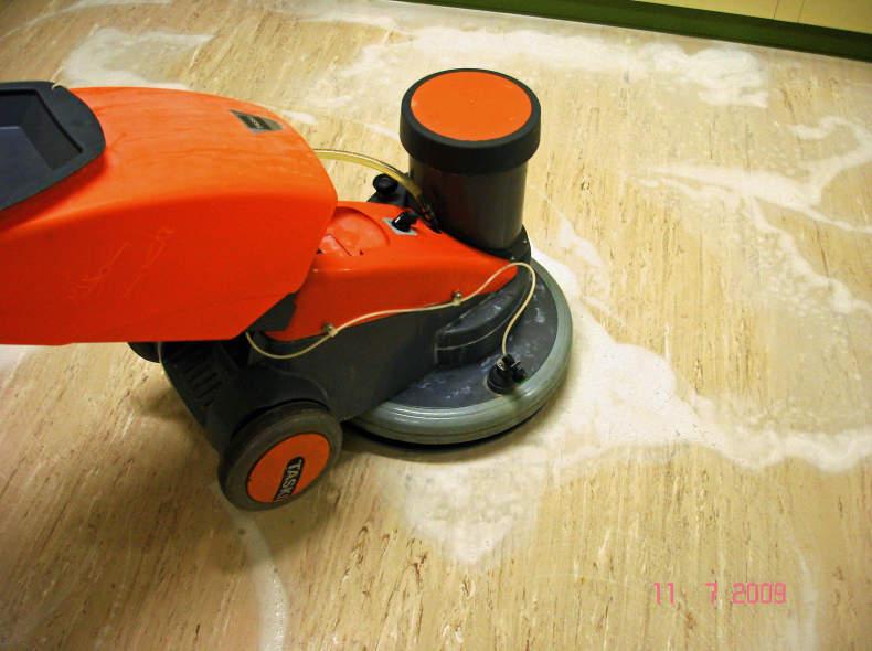 14351 Einscheibemaschine Reinigung