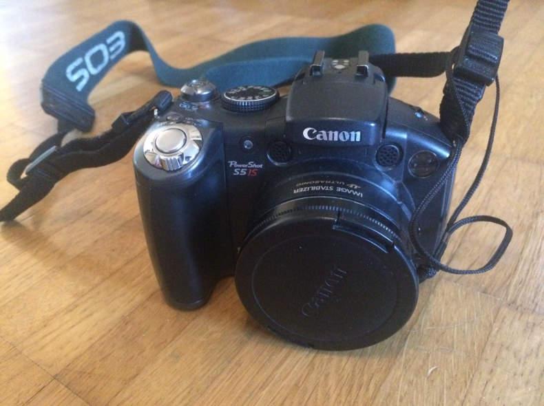 14839 Canon PowerShot S5 IS Digitalkamera