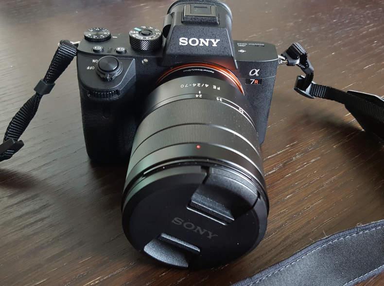 15184 Sony Alpha 7R III mit Objektiv