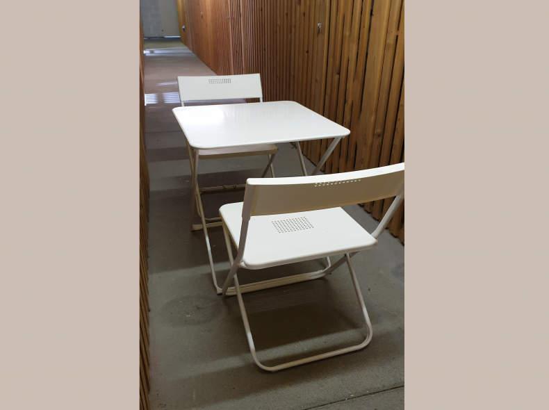 15481 Garten-Bistrotische mit Stühlen