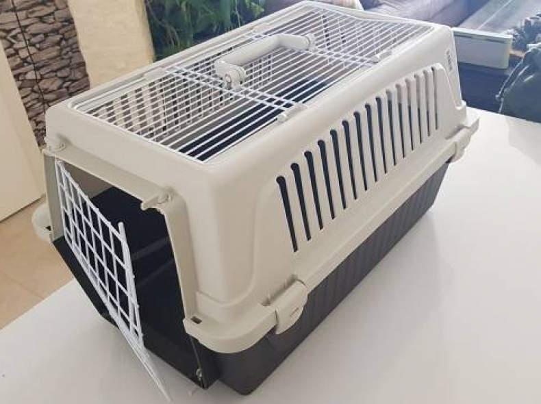 15490 Katzen oder Hundetransportbox