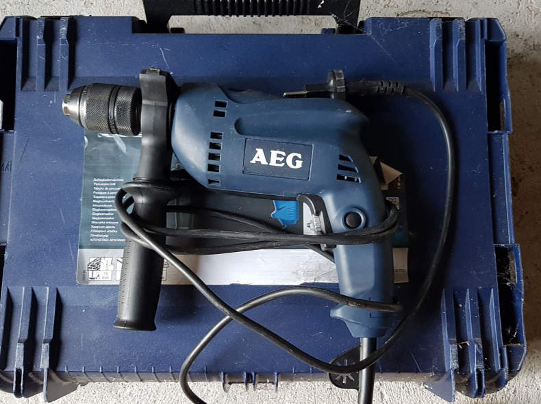 16235 Bohrmaschine - AEG