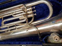 16504 Es Tuba Besson