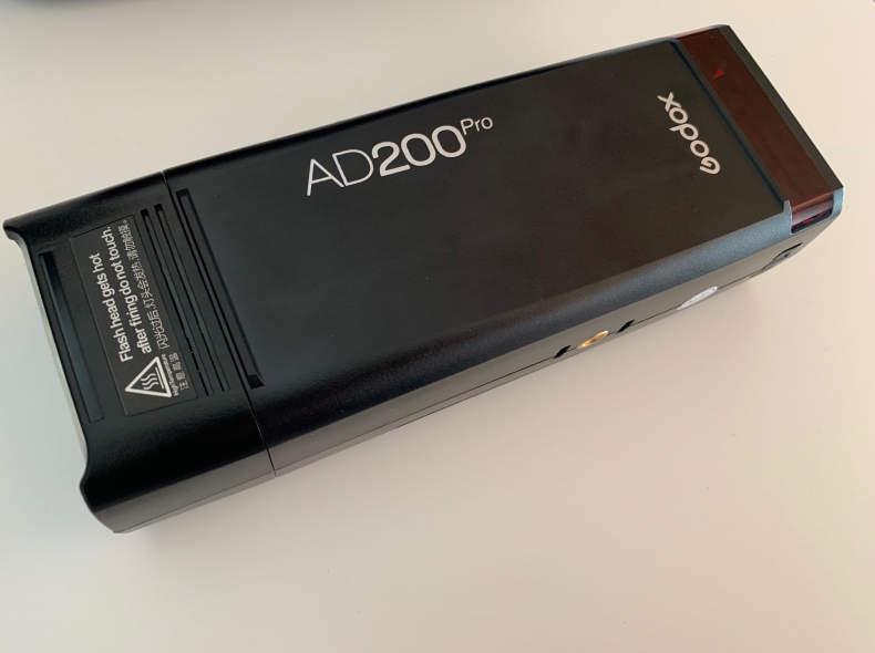 17022 Godox AD200 Pro