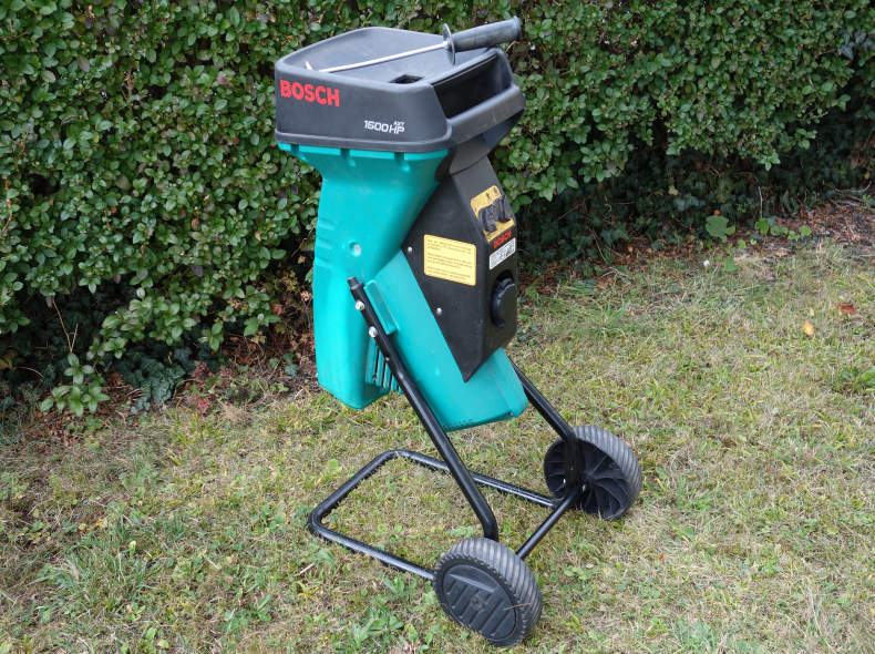 17676 Häcksler Bosch AXT 1600 W