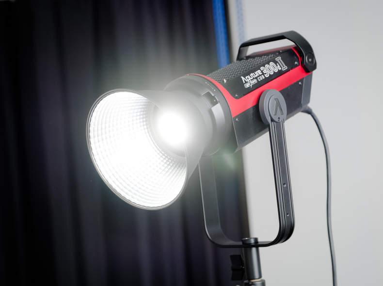 18126 Aputure 300d MKII - Videolicht 300W