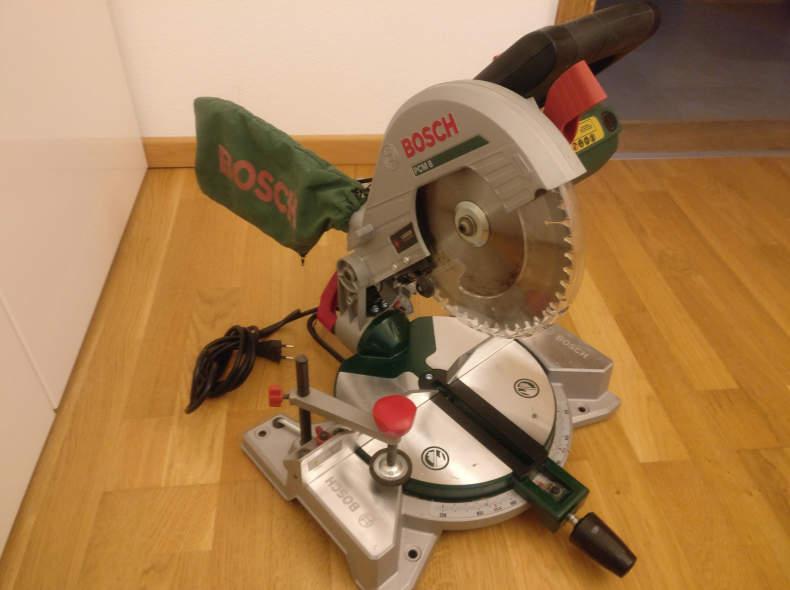 18202 Bosch Kapp- und Gehrungssäge PCM 8