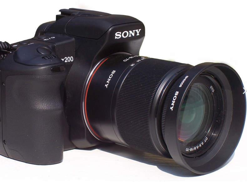 18545 SONY Alpha 200 (A200)