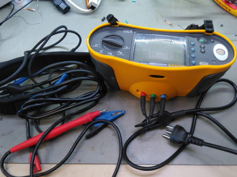 18633 Fluke 1651 Installationstester