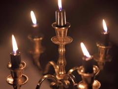 8560 goldfarbene Kerzenständer