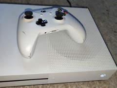 21033 Xbox One S