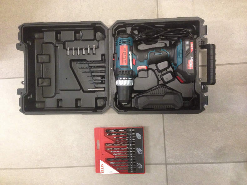 21057 Akku-Bohrschrauber/ Bohrmaschine