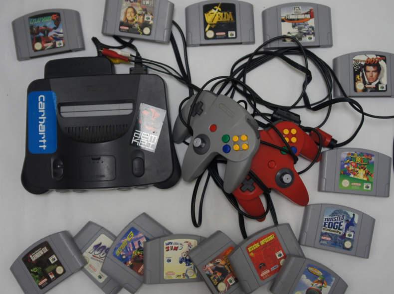 21502 Nintendo 64 mit diversen Spielen