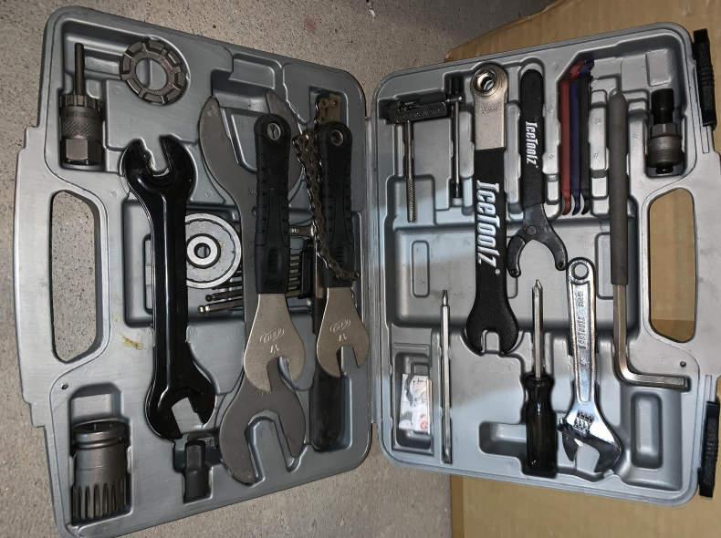 21563 Velowerkzeuge Bike Werkzeugkoffer