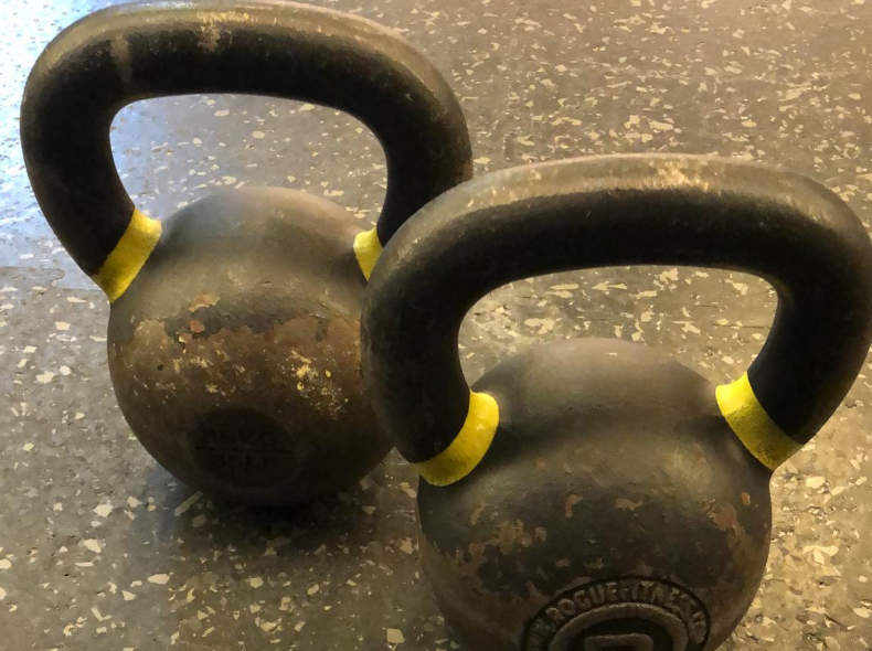 21720 Pair of Kettlebells
