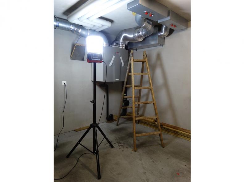 22019 360 Grad LED Leuchte 230V + Stativ