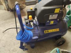 22051 Druckluft Kompressor