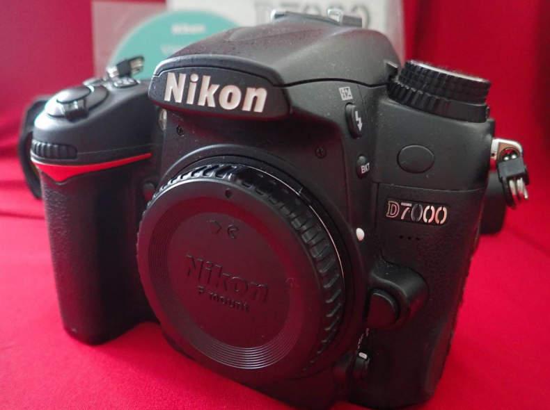22101 Nikon D7000 (Body only)