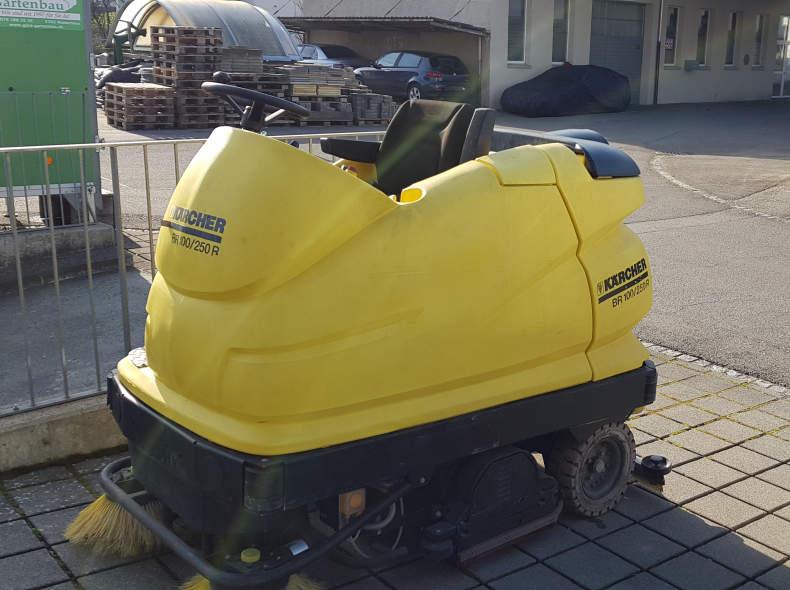 22150 Scheuersaugmaschine Kärcher