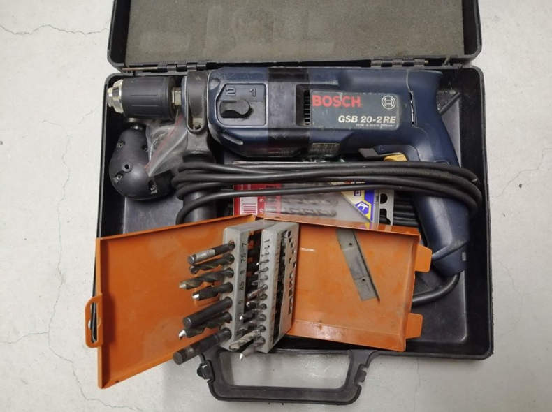 22731 Bosch Bohrmaschine inkl. Zubehör