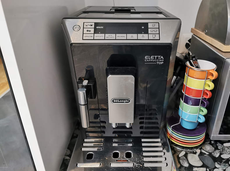 22953 De'Longhi Cappucino Eletta Kaffeema