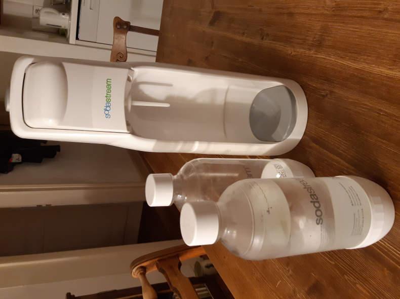 23051 Soda Stream und 2 Flaschen
