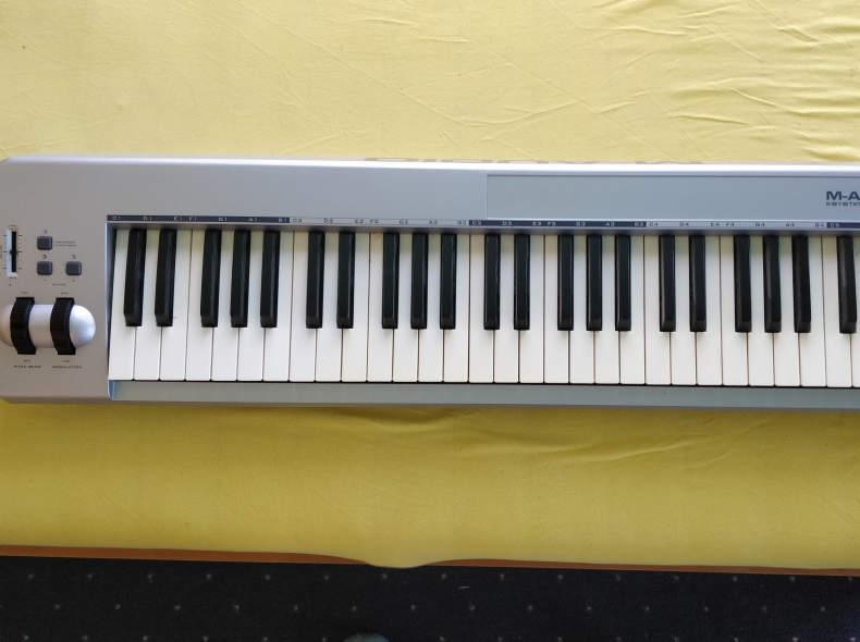 23749 M-Audio Keystation Keyboard 61 ES