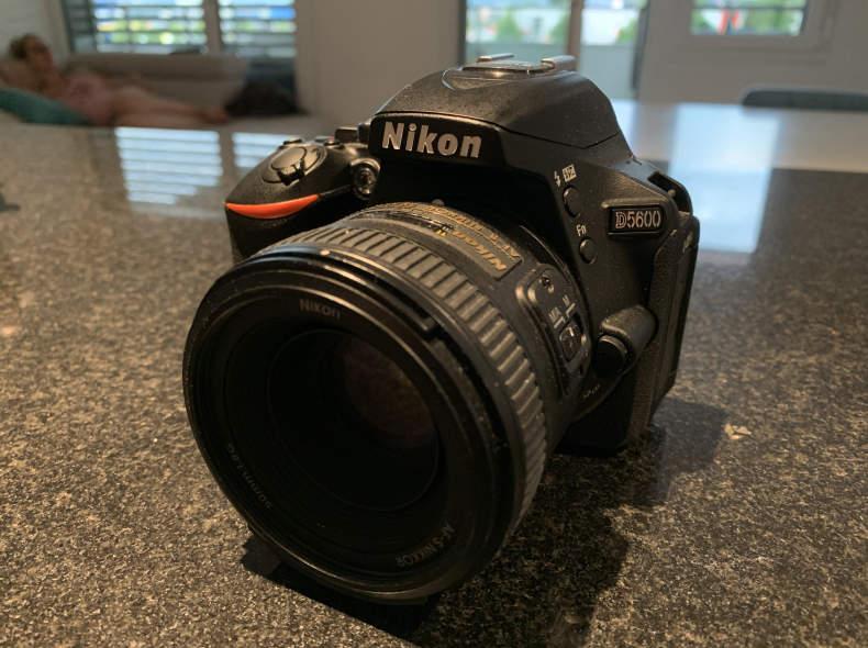 24342 Nikon D5600