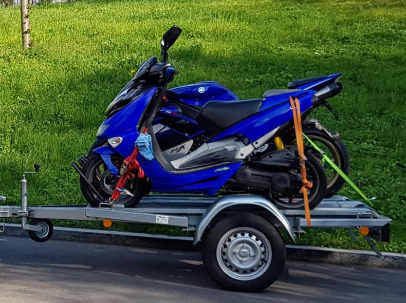 24393 3x Motorrad Anhänger