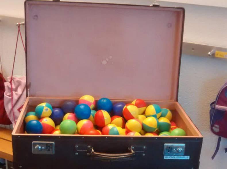 25074 Jonglierbälle (Koffer mit 50 Stk.)