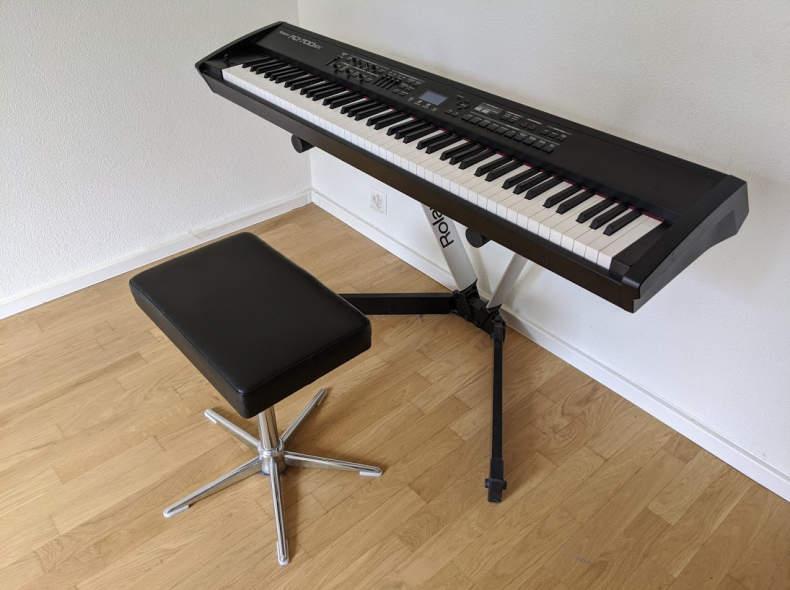 25094 Stage Piano :: Ronaldo RD-700SX