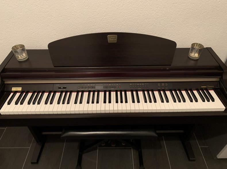 27097 Yamaha Clavinova CLP-930