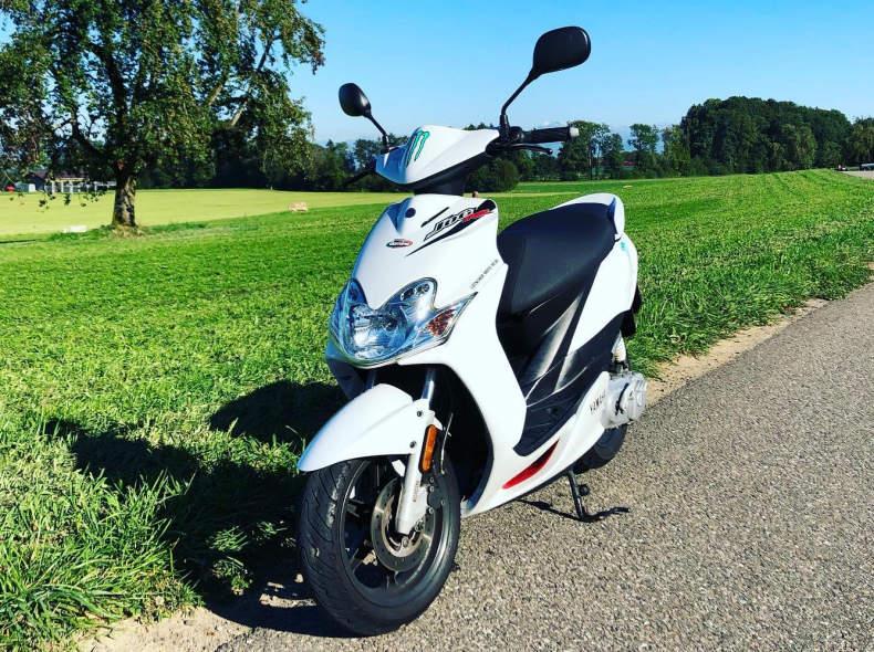27398 Roller 50ccm 70kmh