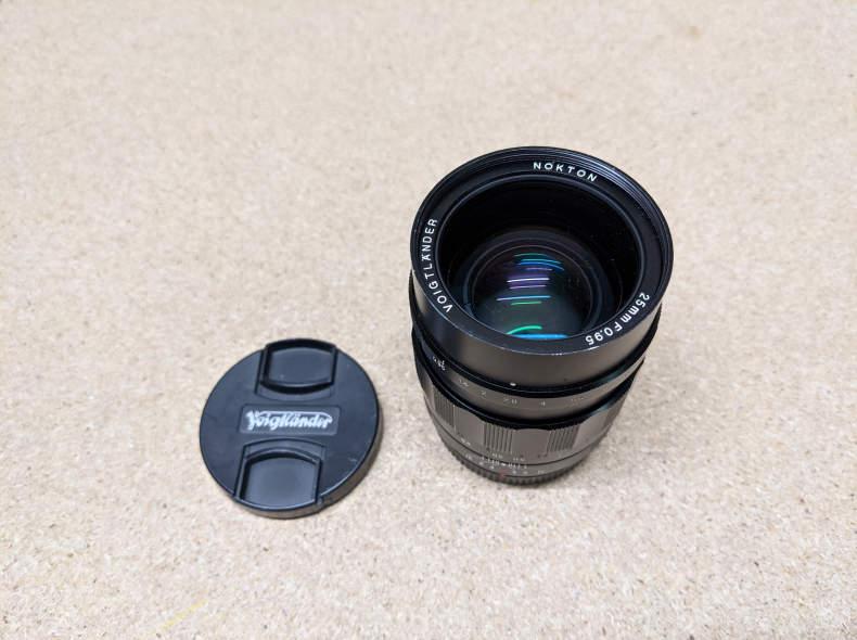27696 Voigtländer Nokton 25mm f0.95