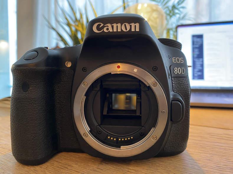 27843 Canon EOS 80D Body