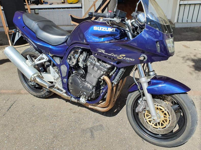 27946 Suzuki Bandit 1200S